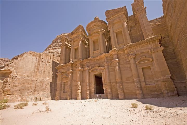 Explore Petra and Wadi Rum 3 days
