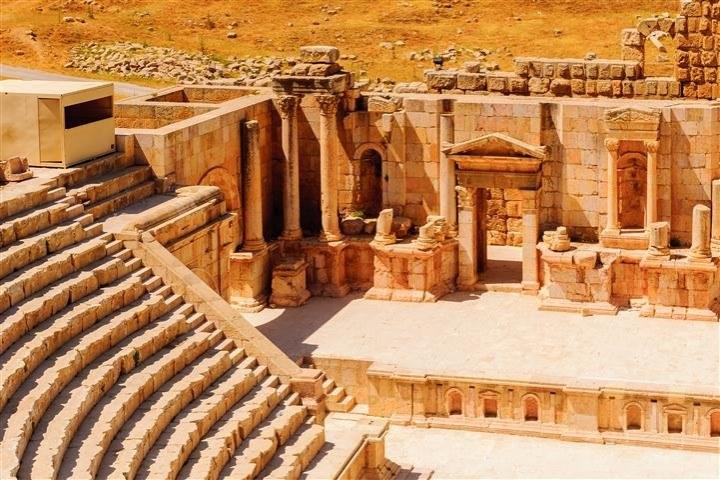 Petra and Jerash 2 days