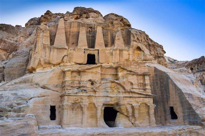 Heritage tour to Petra, Wadi Rum, and…